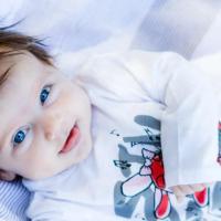 Bebeğin İlk Günleri, Emzirme ve Beslenme Üzerine