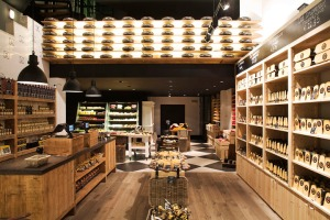 Old-Amsterdam-Cheese-store-by-studiomfd-Amsterdam